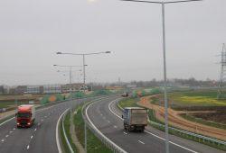 Kuo skiriasi greitkelis nuo automagistralės